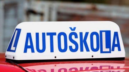 VIDEO: Nejhorší zážitky v autoškole (1) – Katastrofální výuka