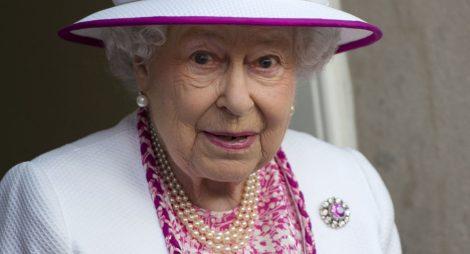 Lidé se děsí, co se to děje s britskou královnou