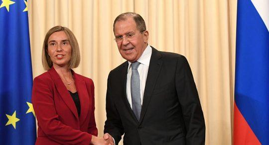 Česká média: Šéfka evropské diplomacie se stydí za boj proti ruským dezinformacím