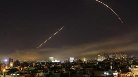 Koalice vedená Spojenými státy zaútočila na Syrskou armádu