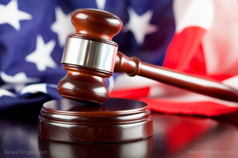 Soud v Pensylvánii zablokoval vyslání volitelů ze Demokratickou stranu na volební shromáždění, které má zvolit prezidenta USA