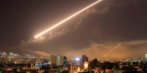 """Fiasko bombardování Sýrie. Analýza spojeneckého """"trestu"""" za chemický útok"""
