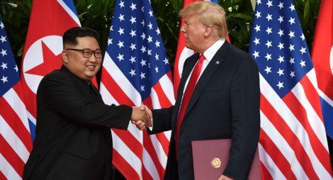 Obrovský, skutečně obrovský mírový úspěch Trumpa s Kim Čong-unem, Stoltenberg z NATO a soudruh generál Petr Pavel jsou v šoku