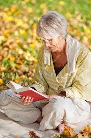 Vedecky potvrdené: Každodenné čítanie podporuje nielen zdravý spánok, ale oveľa viac