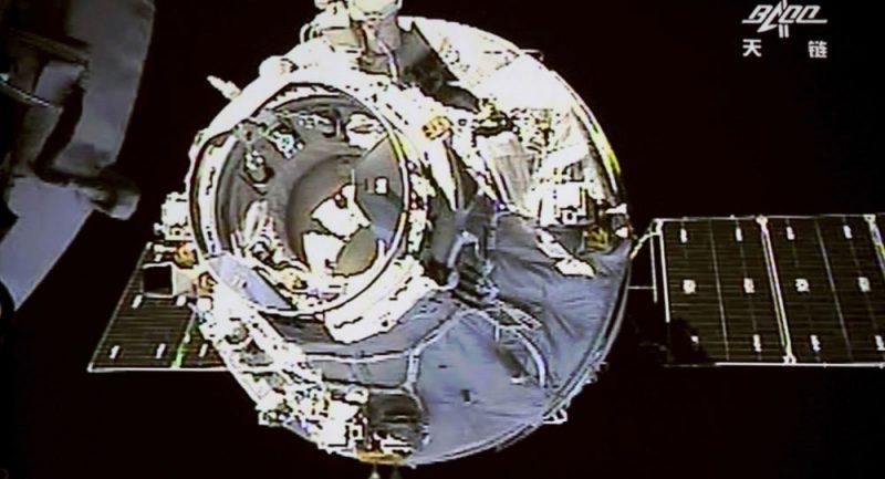 Číňané staví vlastní vesmírnou stanici. Už otestovali motory