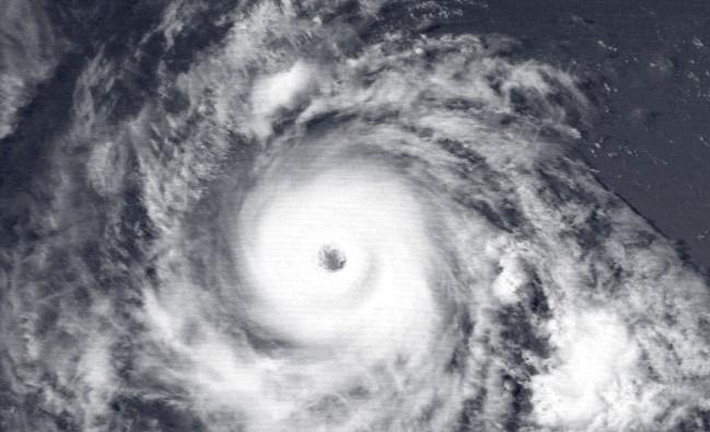 Mocný hurikán se blíží: v Pacifiku se zrodil ničivý Hector, již teď má předposlední stupeň nebezpečí