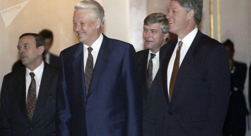 Byly zveřejněny rozšifrované rozhovory Jelcina s Clintonem o Putinovi