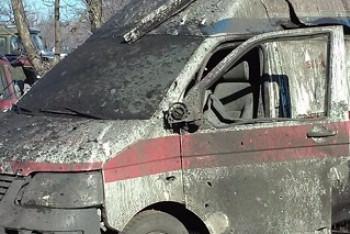 Ukrajinské zvěrstvo: Vojáci rozstříleli sanitku DLR – všichni zemřeli!