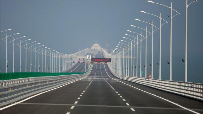 Čína otevřela nejdelší nadmořský most na světě