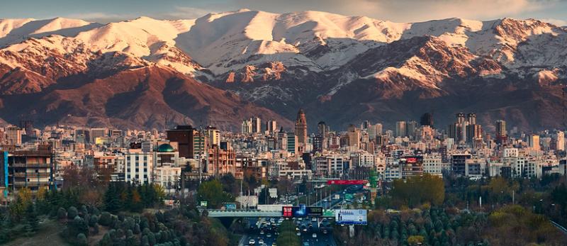 USA prohrály svůj boj o nadvládu nad Íránem, tvrdí Chameneí před zavedením dalších sankcí