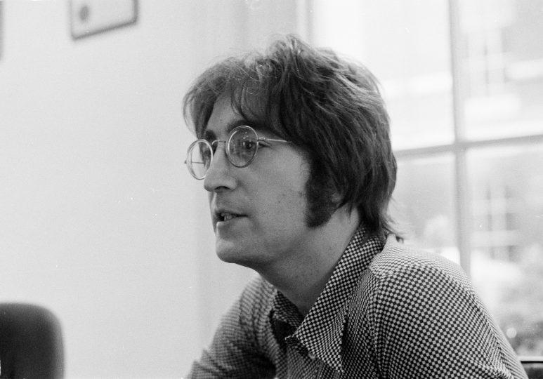 Johna Lennona zabil Deep state pomocí MK ULTRA