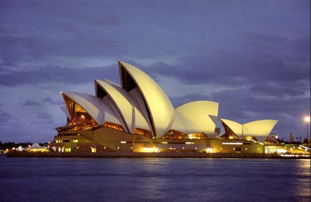 Nový dopisovatel z Austrálie nám poslal zajímavý článek o přistěhovalcích