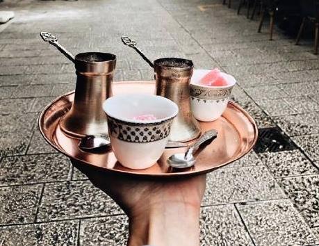 Svět při sobotní ranní kávičce