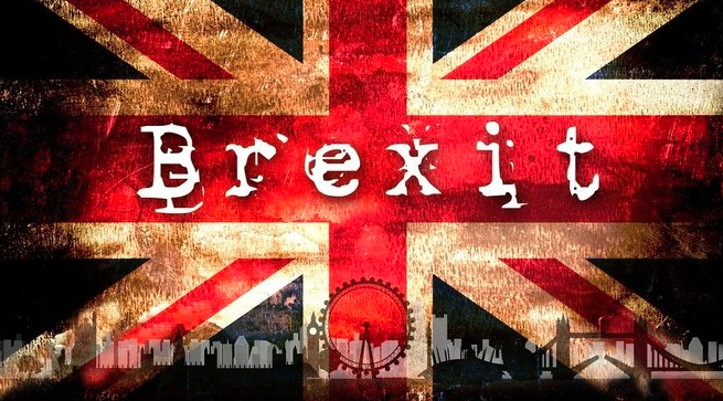 """V Londýně to bublá: Vzbouřenci chystají """"popravu"""" Mayové"""