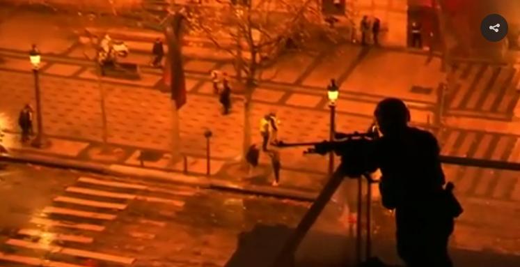 Situace ve Francii se vyhrocuje. Makron nechá odstřelovači střílet na demonstranty? Co se děje