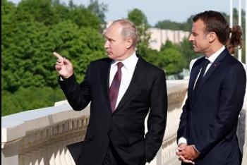 Aby vysvětlil situaci v Kerči, nakreslil Putin Macronovi obrázek