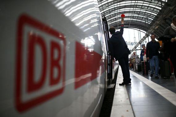 V německu nesmíte varovat cestující, že je může nějaký muslim strčit pod vlak. To je rasismus!