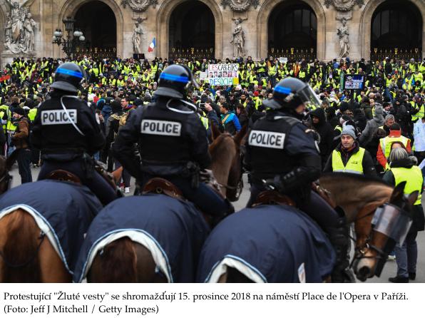 Žluté vesty opět v ulicích. 11 týden po sobě požadují odstoupení Makrona. Mnoho tisíc lidí v ulicích po celé Francii. Přímý přenos