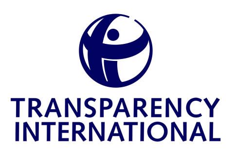 Pět porsche, 10 luxusních BMW – tolik peněz nalilo vnitro do Transparency International
