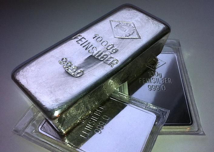 """""""Wall Street Bets"""" – drobní investoři zvyšují cenu stříbra"""