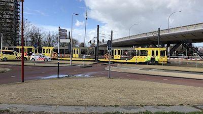 Tak tu máme asi další divadlo. Údajná střelba v tramvaji v nizozemském Utrechtu a údajně jeden mrtvý člověk