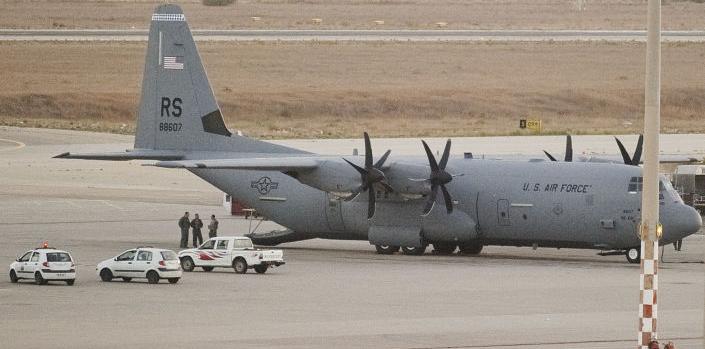 Vojenská letadla LNA maršála Haftara zaútočila na jediné fungující letiště v Tripolisu