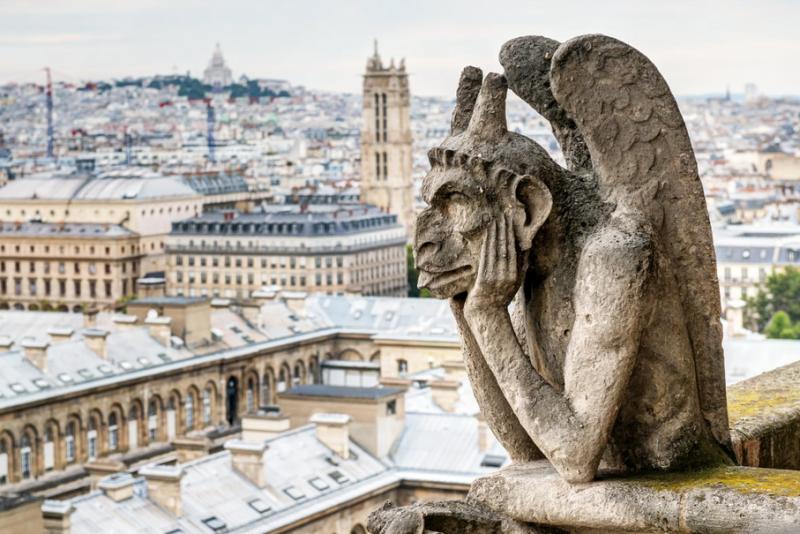 Další video s důkazem o žhářství Notre Dame. Tři dny před akcí někdo upozornil na požár předem