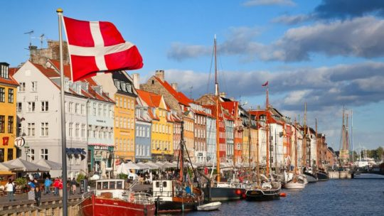 """Dánský ministr imigrace přiznává, že politika integrace je """"fiasko"""""""