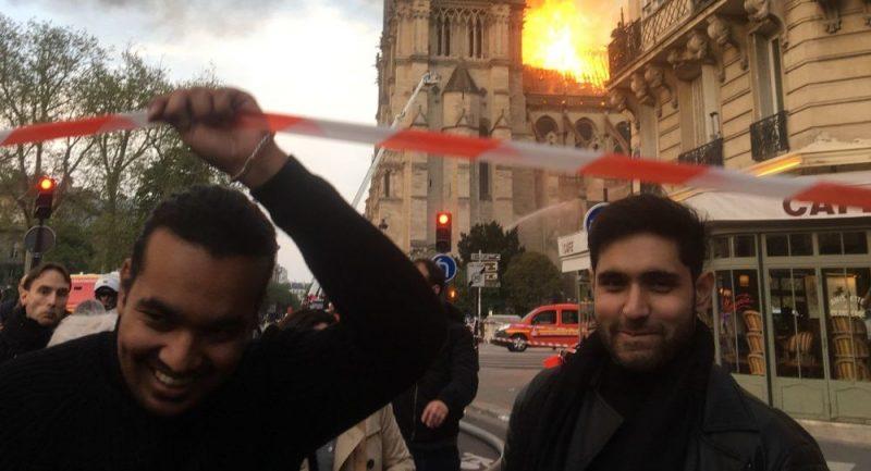 Úsměvy nad hořícím Notre Dame – Sputnik a fake news na scéně