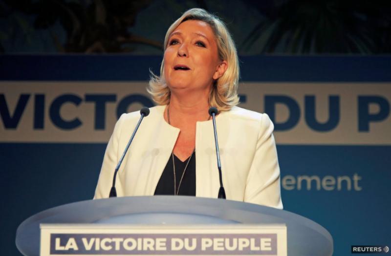 Eurovoľby vo finále: Le Penová porazila Macrona, Farage presvedčil Britov, Salvini Talianov