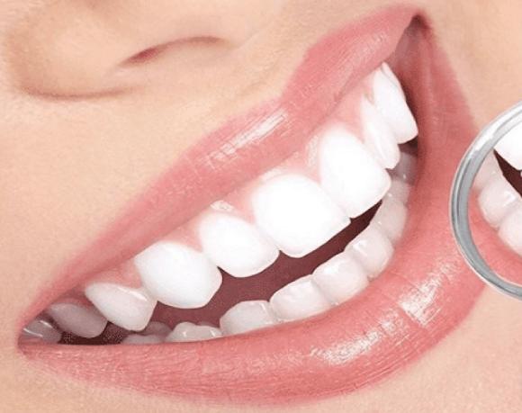 9 metod, jak léčit ustupující dásně