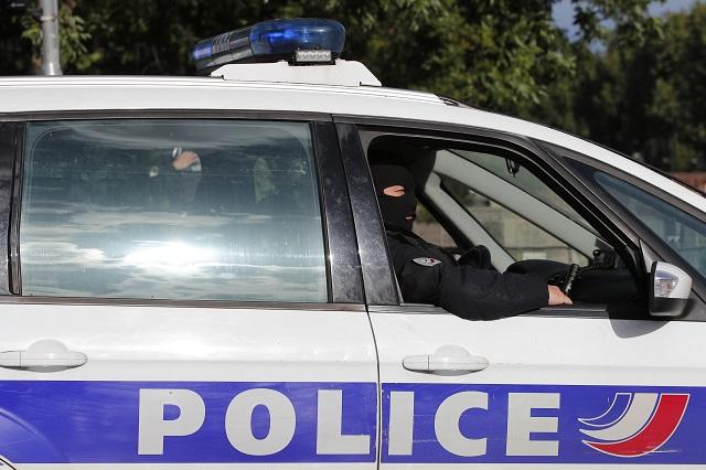 """Násilné útoky proti hasičům a policistům ve Francii se stávají """"novým normálem"""""""