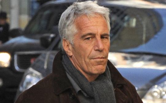 Pohádka chazarských masmédií o Epsteinovi pokračuje