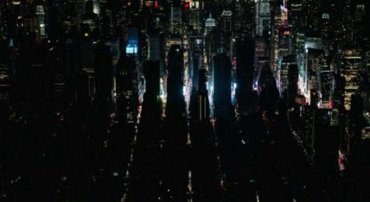 Rozsáhlý výpadek proudu ochromil v New Yorku nejen Rockefeller Center