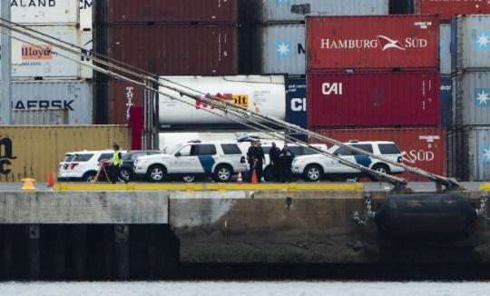 Americké celní orgány provedly razii na nákladní lodi vlastněné J.P.Morgan, kde našly kokain v hodnotě přes 1 miliardu dolarů