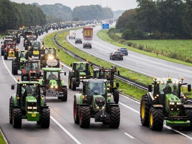 Sedláci v Nizozemí se valí na masový protest proti Zelenému fašismu