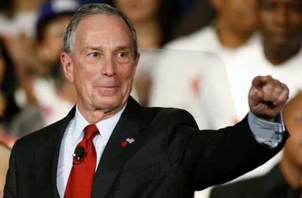 """Miliardář Bloomberg: """"Na vysokou jde dnes jen hlupák, chytří lidé dělají instalatéry"""""""