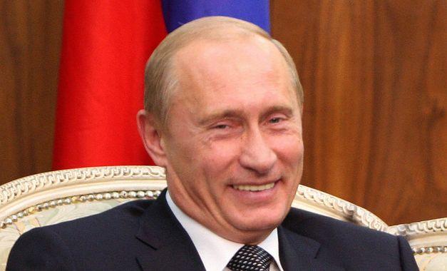 Podle průzkumu Češi důvěřují Putinovi víc než Macronovi či Trumpovi