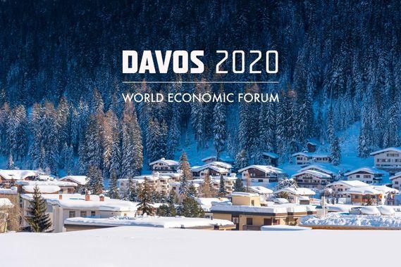 V Davosu začíná ekonomické fórum. Dojede i reptiliánka-Greténka