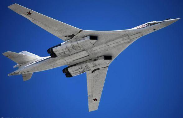 Ale, ale, američanům se nelíbí jejich vlastní medicína. Ruské bombardéry Tu-160 videli při hranicích s Kanadou a USA. Rozhorčená reakce velitele v USA