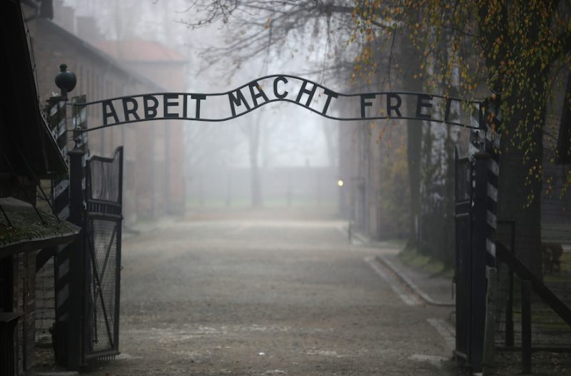 Devět milionů Italů nevěří, že židovský holocaust skutečně proběhl
