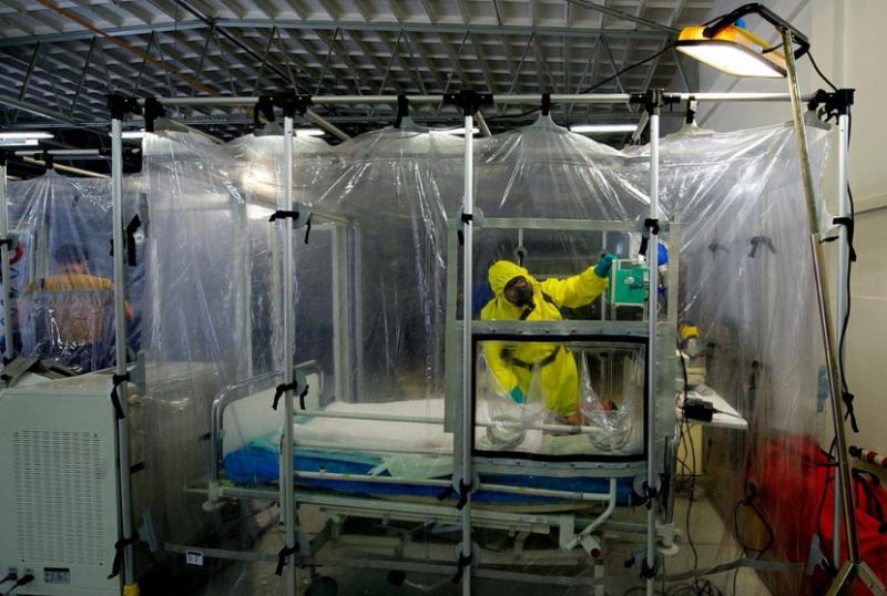 Skrytá vojenská nemocnice čeká na poslední povel. Nemocné tu neprodyšně uzavřou
