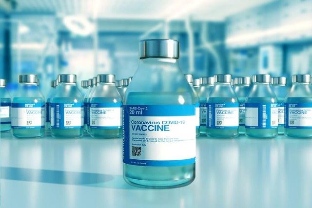 Lekár adresoval ŠÚKL-u otázky o vakcínach AstraZeneca, Pfizer a Moderna