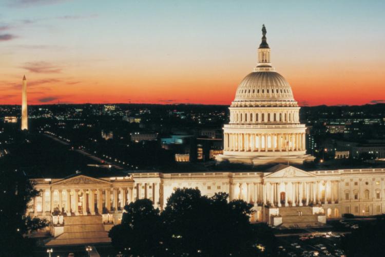 Pád Washingtonu D.C. Nyní je novým hlavním městem států Ameriky město Houston ve státě Texas