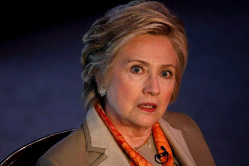 Hillary Clinton byla popravena na Guantánamu