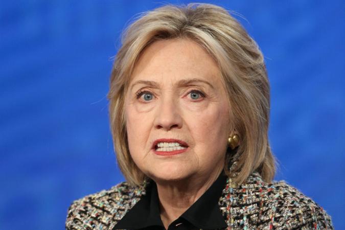 Vojenský tribunál Hillary Clintonovej