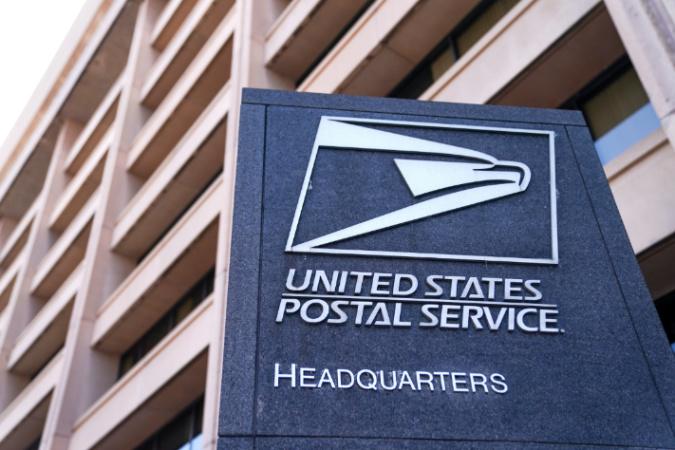 Americká pošta má novou roli – špehovat Američany a jejich příspěvky na sociálních sítích