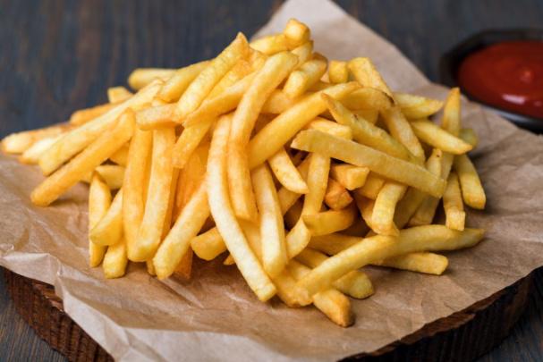 Nejzdravější jsou hranolky. Máslu, olivovému oleji a sýrům je ale třeba se vyhnout aneb Tupci z Evropské komise úřadují