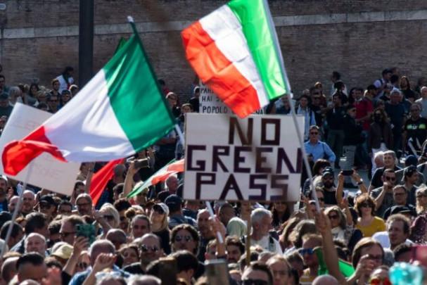 V Itálii propukly protesty proti povinnému očkování